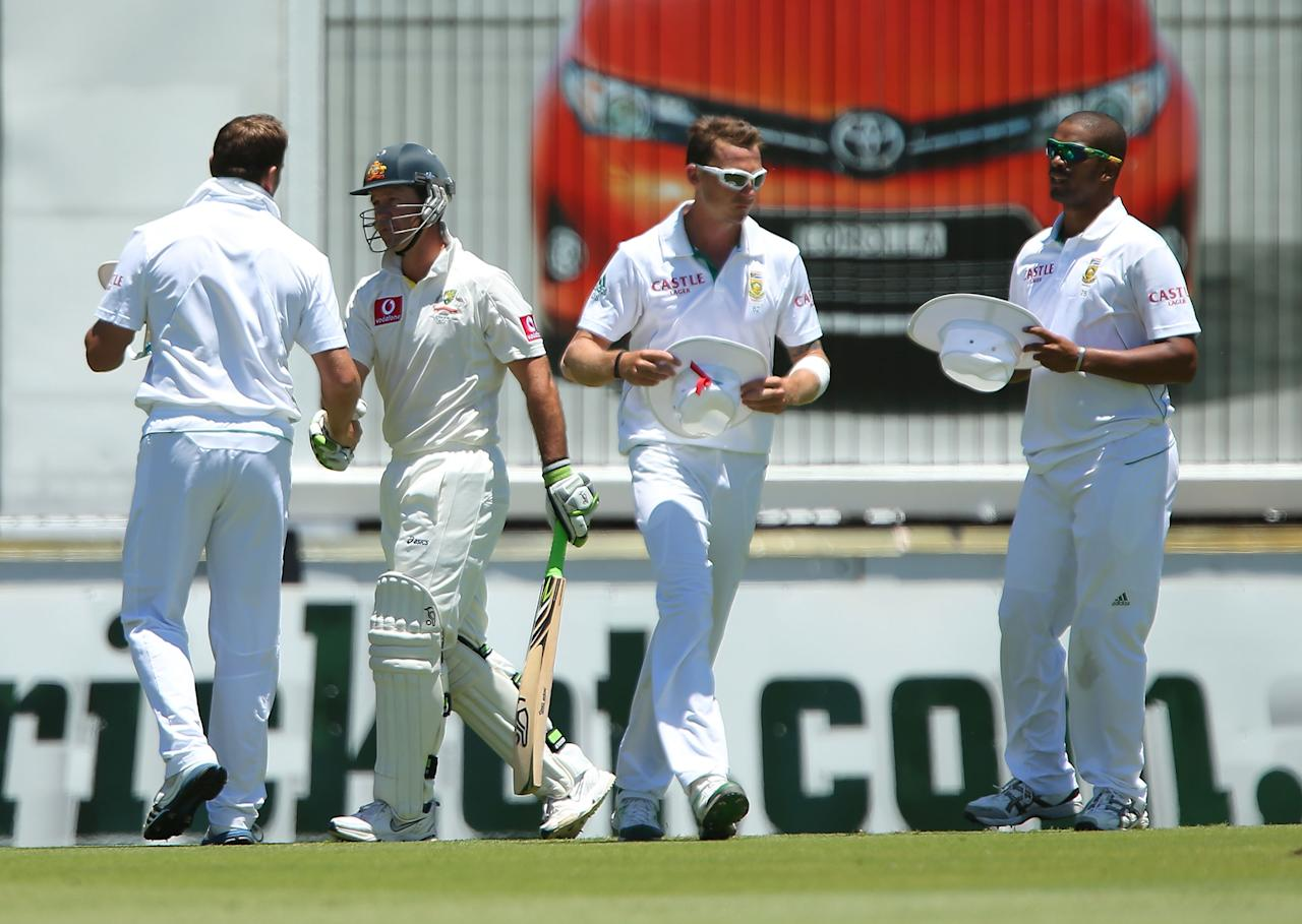 PERTH, AUSTRALIA - DECEMBER 03:  Jacques Kallis of South Africa shakes hands with Ricky Ponting of Australia after being dismissed during day four of the Third Test Match between Australia and South Africa at WACA on December 3, 2012 in Perth, Australia.  (Photo by Paul Kane/Getty Images)