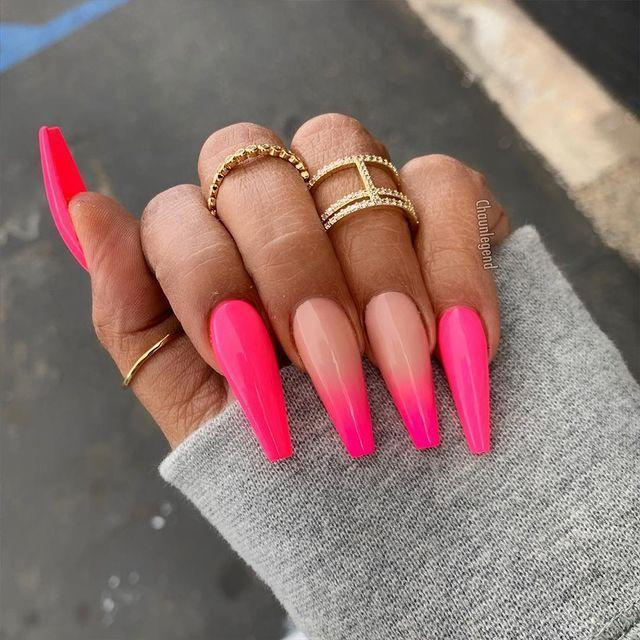 """<p> Choose your nail art placement wisely and opt for an ombre fade on selective fingers.</p><p><a href=""""https://www.instagram.com/p/Bu7d2KhA8Cm/"""" rel=""""nofollow noopener"""" target=""""_blank"""" data-ylk=""""slk:See the original post on Instagram"""" class=""""link rapid-noclick-resp"""">See the original post on Instagram</a></p>"""