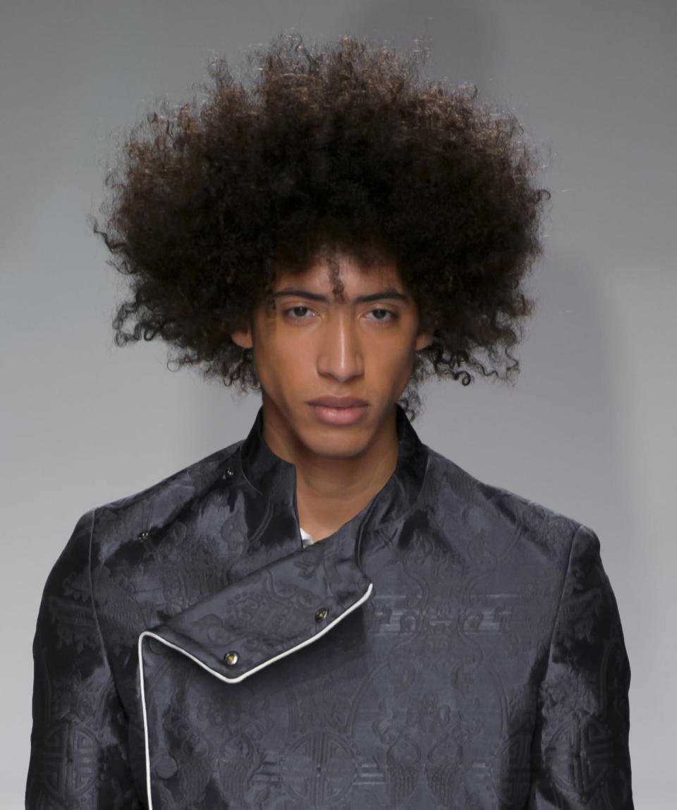 <p>Bros with big Afros need love too! (Photo: Imaxtree) </p>