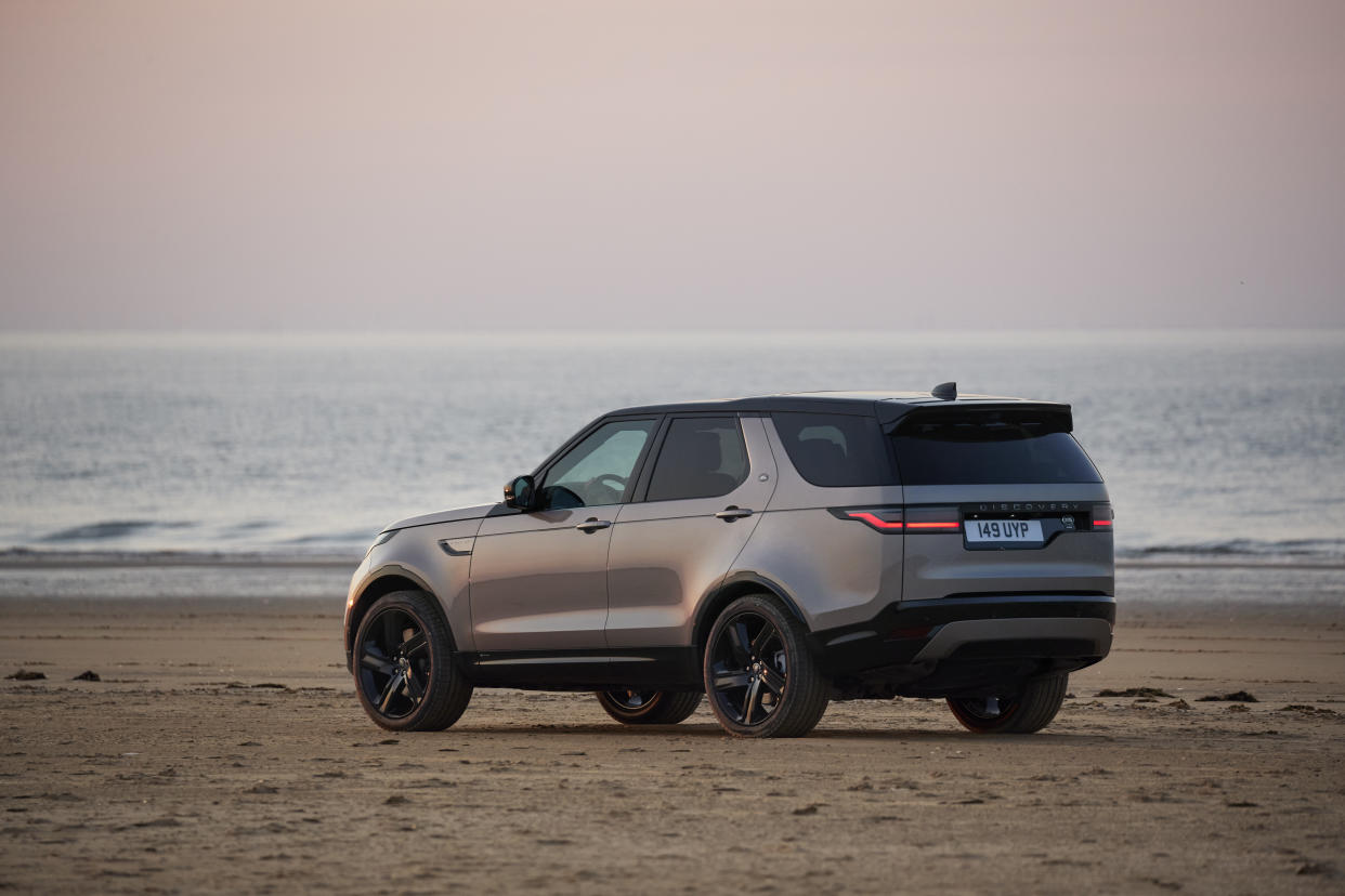 EMBARGO 10/11/2020 00.01 Land Rover Discovery