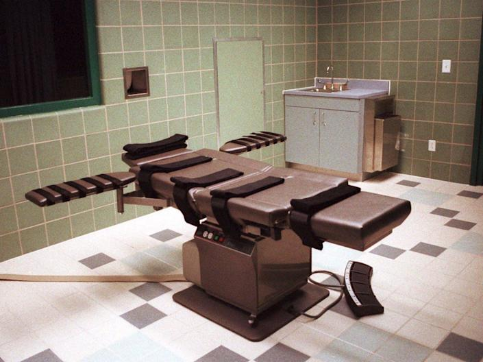"""<span class=""""caption"""">The federal death chamber at the U.S. Penitentiary in Terre Haute, Indiana, as seen in April 1995.</span> <span class=""""attribution""""><span class=""""source"""">AP Photo/Chuck Robinson</span></span>"""