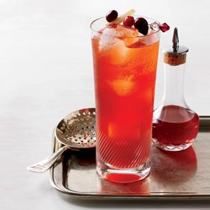 Pink desire - Place the ice, vodka and orange juice in a highball glass. Stir with mixing spoon for 8-10 seconds. Add grenadine syrup and garnish it with orange slice