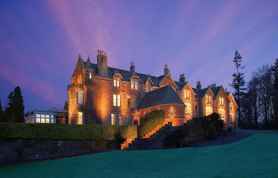 """<p>When it comes to romance, <a href=""""https://www.redonline.co.uk/travel/inspiration/g503831/six-of-the-best-remote-rural-hotels-in-scotland/"""" rel=""""nofollow noopener"""" target=""""_blank"""" data-ylk=""""slk:Scotland"""" class=""""link rapid-noclick-resp"""">Scotland</a>'s heady blend of dramatic coast and sea, still lochs, sprawling fields and wild hills are some of the most enchanting you'll see within the UK (and, arguably, many places outside of it). Add to that the historic monuments, colourful towns, vibrant cities and a slew of excellent restaurants, and you've got yourself the recipe for unforgettable <a href=""""https://www.redonline.co.uk/travel/inspiration/g28744371/weekend-trips-from-london/"""" rel=""""nofollow noopener"""" target=""""_blank"""" data-ylk=""""slk:weekends"""" class=""""link rapid-noclick-resp"""">weekends</a> with your sweetheart.</p><p>So, when it came to curating the most romantic hotels that Scotland has to offer, it was no easy feat narrowing them down.</p><p><a href=""""https://www.redonline.co.uk/travel/inspiration/g28418773/romantic-hot-tub-breaks/"""" rel=""""nofollow noopener"""" target=""""_blank"""" data-ylk=""""slk:Romance"""" class=""""link rapid-noclick-resp"""">Romance</a> means different things to everyone, for some it's all about a candlelit dinner in an atmospheric, low-lit setting. For others, it's about heading off grid and letting nothing come between you, your loved one and wild and rugged natural landscape. Then there are those who enjoy the luxury of a soothing spa day together, turning 'me time' into 'us time', or feel they want to express their love by treating their other half to the best there is on offer. </p><p>Whatever it means for you though, you'll be able to find a romantic hotel in Scotland below to sweep you off your feet. </p><p>A <a href=""""https://www.redonline.co.uk/travel/inspiration/g35117270/new-hotels-opening-uk/"""" rel=""""nofollow noopener"""" target=""""_blank"""" data-ylk=""""slk:hotel stay"""" class=""""link rapid-noclick-resp"""">hotel stay</a> for two is, in its very nature, romantic. A weeken"""