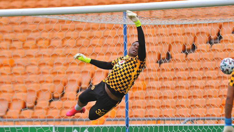 Middendorp confirms Khune's return but insists Akpeyi has Kaizer Chiefs' backing
