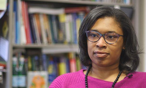PHOTO: Vicki Johnson-Lawrence, a social epidemiologist at Michigan State University, conducts surveys of Flint residents to better understand the impact of the water crisis. (Janet Weinstein/ABC News)