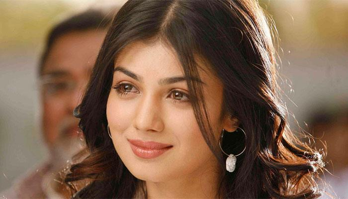 She was bubbly, pleasant, and became an instant fan-favorite in the early 2000s. Coming from an upper middle class family of mixed-culture in Bombay, Ayesha Takia made and early entry, and again an equally early exit from the dreamland of Bollywood. But why couldn't stardom enthrall her?