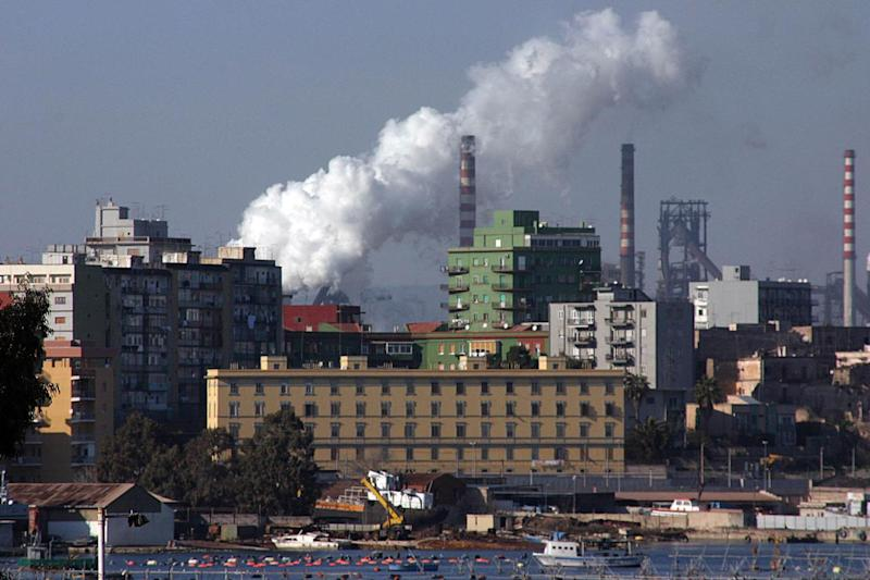Ex Ilva, si tratta fino all'ultimo