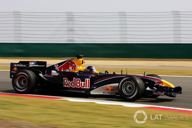 """2005 : Red Bull Racing RB1, à moteur Cosworth <span class=""""copyright"""">Sutton Motorsport Images</span>"""