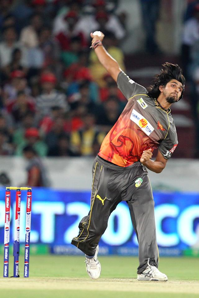 Ishant Sharma bowls during match 7 of the Pepsi Indian Premier League between The Sunrisers Hyderabad and Royal Challengers Bangalore held at the Rajiv Gandhi International Stadium, Hyderabad on the 7th April 2013Photo by Prashant Bhoot-IPL-SPORTZPICS Use of this image is subject to the terms and conditions as outlined by the BCCI. These terms can be found by following this link:https://ec.yimg.com/ec?url=http%3a%2f%2fwww.sportzpics.co.za%2fimage%2fI0000SoRagM2cIEc&t=1503392475&sig=VUAQv7Pou0umpzFA18c1tA--~D