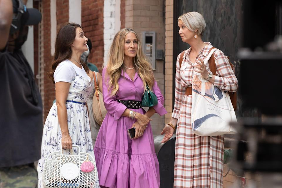 """Kristin Davis, Sarah Jessica Parker and Cynthia Nixon on the set of """"And Just Like That"""" on July 20, 2021 in New York City."""