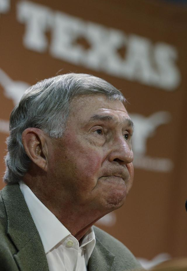 Texas athletic director DeLoss Dodds formally announces his retirement during a news conference, Tuesday, Oct. 1, 2013, in Austin, Texas. Dodds, who has been with Texas for 32 years, will step down in August 2014. (AP Photo/Eric Gay)