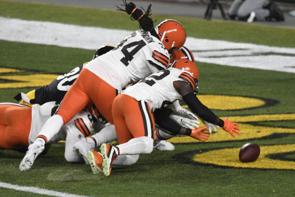 Cleveland Browns strong safety Karl Joseph (42) recovers a fumble in the end zone for a touchdown. (AP Photo/Don Wright)