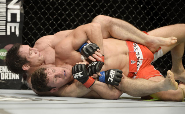 Tim Kennedy wins decision over Michael Bisping