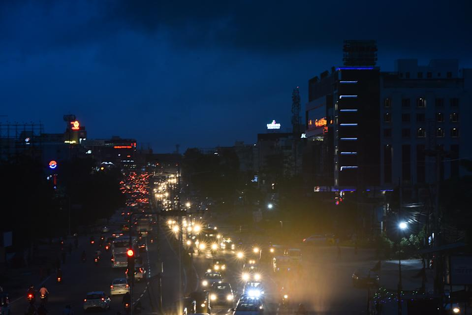 Heavy rains lashes several parts of the city on Wednesday causing many roads in Ameerpet, Mehdipatnam, Tolichowki areas inundated causing serious trouble to traffic in Hyderabad
