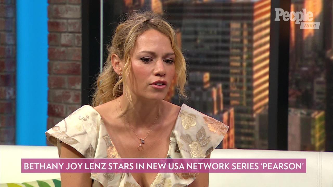 Bethany Joy Lenz On The Major Differences Between Suits And Its Spin Off Pearson Its A Grittier Tone