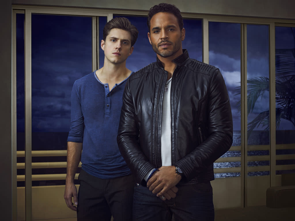 "Aaron Tveit as Mike Warren and Daniel Sunjata as Paul Briggs in USA Network's ""Graceland."""
