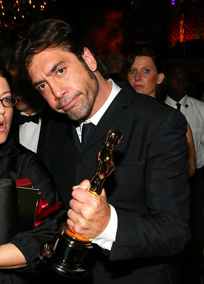 """Who didn't love Best Suppporting Actor winner Javier Bardem's touching dedication to his mother? He's a gentleman AND a charmer! Frazer Harrison/<a href=""""http://www.gettyimages.com/"""" target=""""new"""">GettyImages.com</a> - February 24, 2008"""