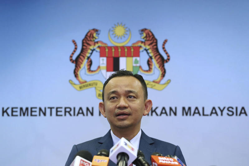 On April 24, Maszlee announced that his ministry will retain the Bumiputera quota for matriculation programmes, while increasing the student intake to 40,000. — Picture by Yusof Mat Isa