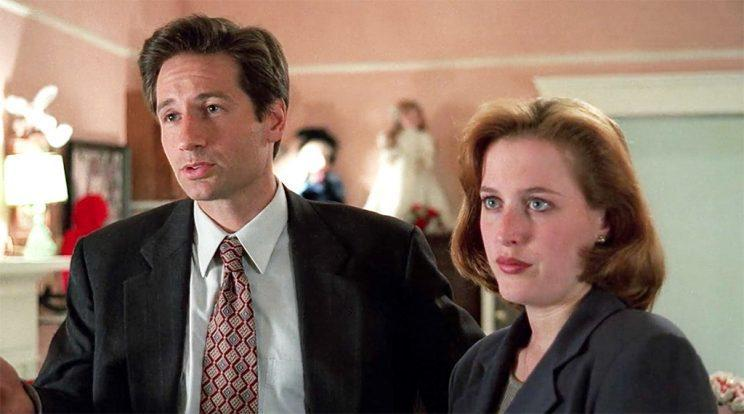 David Duchovny and Gillian Anderson in 'The X-Files' (Credit: Fox)