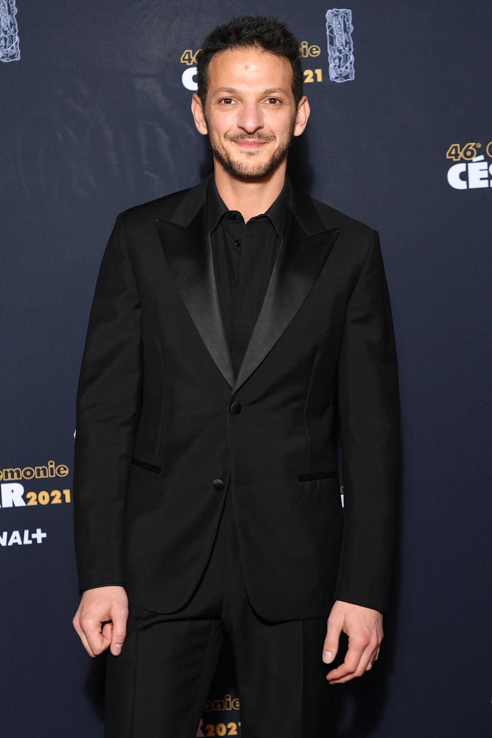 <p>Vincent Dedienne a lui aussi adopté le total look noir sur le tapis rouge. (Photo by Pascal Le Segretain/Getty Images)</p>
