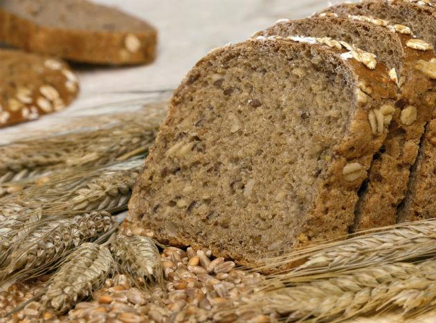 <b>Whole Grain: </b> Starting the day with whole-grain cereal may lower the risk of heart failure in the long run, as whole grains protect against coronary heart disease.