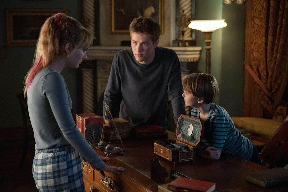 "<p>Following their father's murder, the Locke children and their mother move to his family home in Matheson and discover secrets about the house's <a href=""https://www.popsugar.com/entertainment/what-do-all-keys-do-locke-key-netflix-47193291"" class=""link rapid-noclick-resp"" rel=""nofollow noopener"" target=""_blank"" data-ylk=""slk:reality-bending keys"">reality-bending keys</a>. Like <strong>Shadow and Bone</strong>,<strong> <a href=""https://www.popsugar.com/entertainment/what-is-netflix-locke-key-about-47085314"" class=""link rapid-noclick-resp"" rel=""nofollow noopener"" target=""_blank"" data-ylk=""slk:Locke &amp; Key"">Locke &amp; Key</a></strong> is a page-to-screen fantasy adaptation, the original story written by Joe Hill. </p> <p><a href=""http://www.netflix.com/title/80241239"" class=""link rapid-noclick-resp"" rel=""nofollow noopener"" target=""_blank"" data-ylk=""slk:Watch Locke &amp; Key on Netflix."">Watch<strong> Locke &amp; Key</strong> on Netflix.</a></p>"