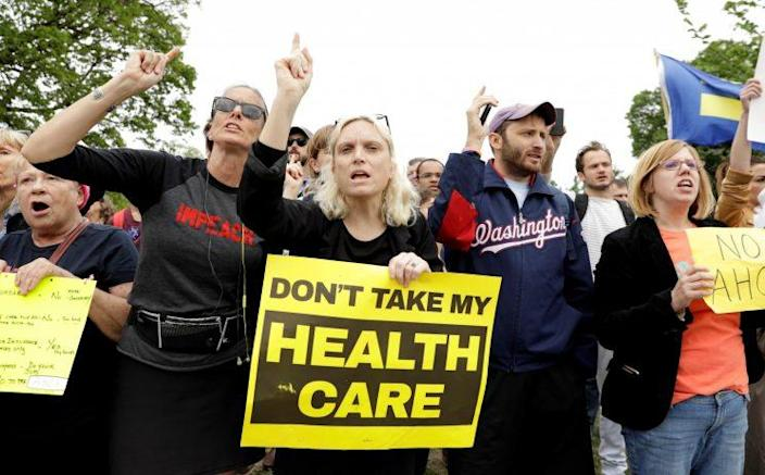 Demonstrators protest in front of the U.S. Capitol after the U.S. House of Representatives approved a bill on Thursday to repeal major parts of Obamacare and replace it with a Republican healthcare plan in Washington, U.S., May 4, 2017. (Photo: Kevin Lamarque/Reuters)