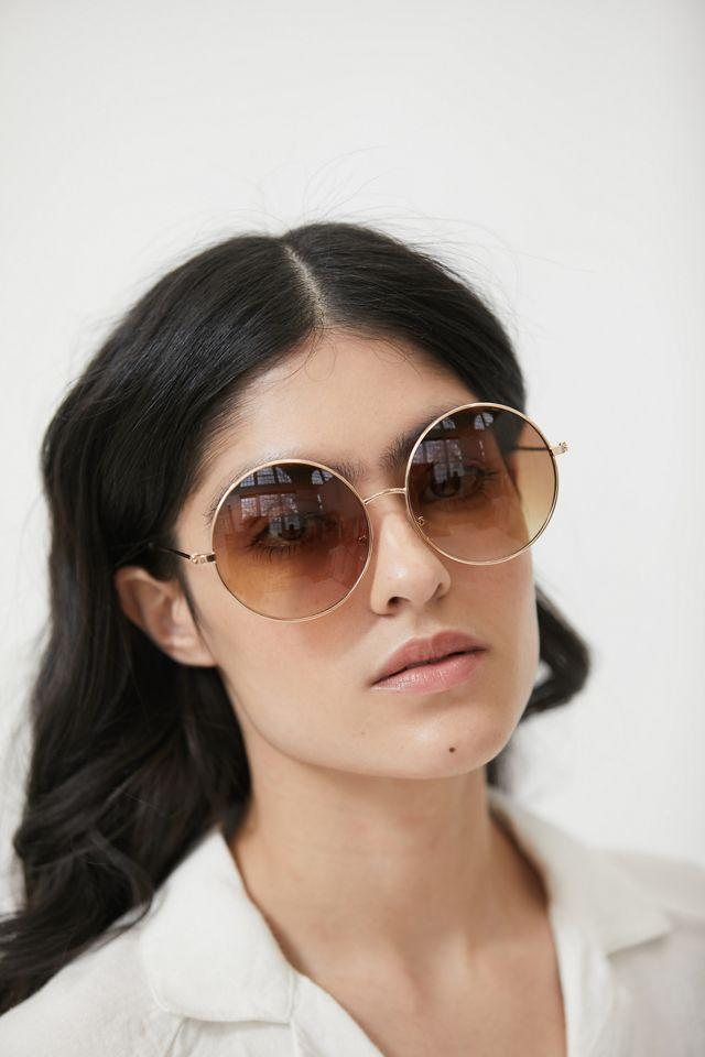 """<br><br><strong>Urban Outfitters</strong> Chandler Metal Round Sunglasses, $, available at <a href=""""https://go.skimresources.com/?id=30283X879131&url=https%3A%2F%2Fwww.urbanoutfitters.com%2Fshop%2Fchandler-metal-round-sunglasses"""" rel=""""nofollow noopener"""" target=""""_blank"""" data-ylk=""""slk:Urban Outffiters"""" class=""""link rapid-noclick-resp"""">Urban Outffiters</a>"""