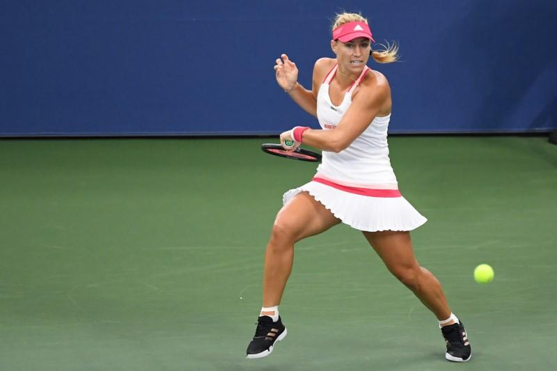 Kerber through to last-16 with straight sets win over Li
