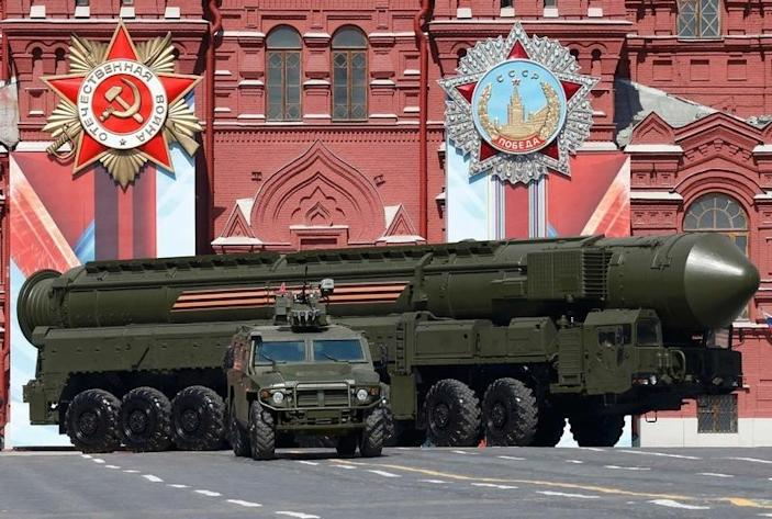 A Russian Yars RS-24 intercontinental ballistic missile system drives during the Victory Day parade, marking the 71st anniversary of the victory over Nazi Germany in World War Two, at Red Square in Moscow, Russia, May 9, 2016.  REUTERS/Grigory Dukor