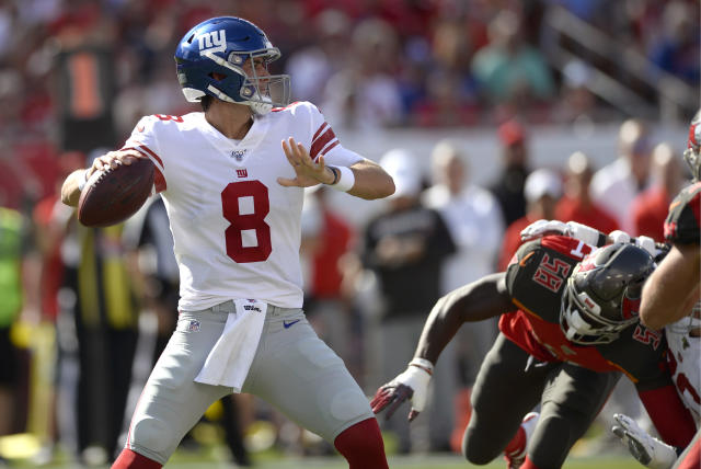 New York Giants quarterback Daniel Jones (8) throws a pass against the Tampa Bay Buccaneers during the first half of an NFL football game Sunday, Sept. 22, 2019, in Tampa, Fla. (AP Photo/Jason Behnken)