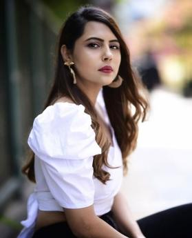 Top influencer Rinku Chatlani reveals her fashion mantra and we are digging it