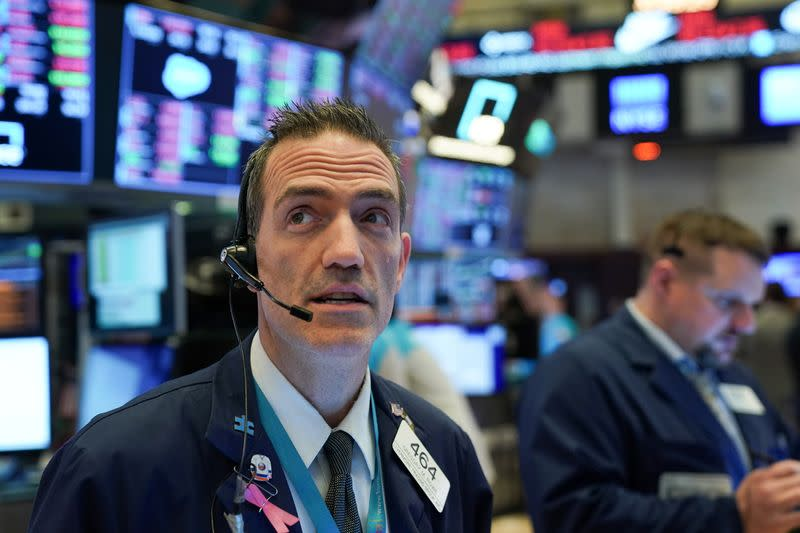 Wall Street Weekahead: Fund managers look for value in high-priced consumer sector