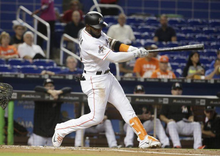 Marlins' slugger Marcell Ozuna hits his second home run in as many days while borrowing Ichiro's bat. (AP)