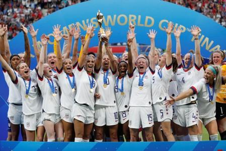 U.S. women's team fights back against governing body's pay claims