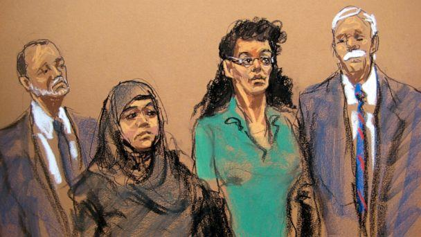 PHOTO: Defendants Noelle Velentzas, center left and Asia Siddiqui, center right, appear in federal court with their attorneys, April 2, 2015, in New York. (Jane Rosenberg/AP Photo)
