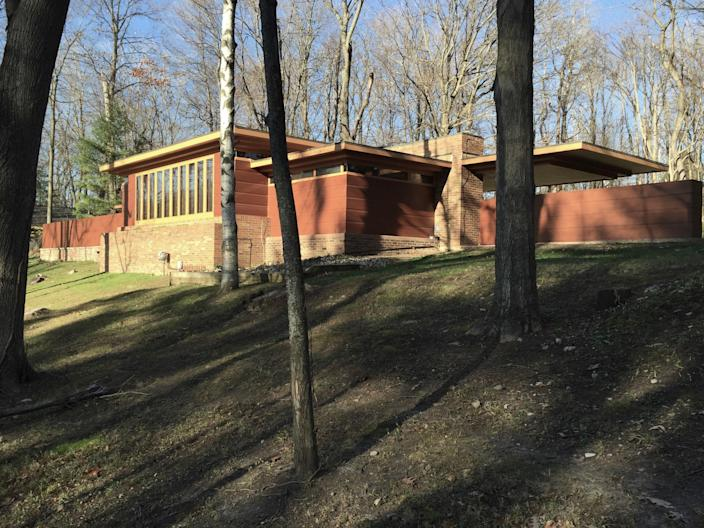 Goetsch-Winckler House sold along with the Frank Lloyd Wright-designed furniture inside.