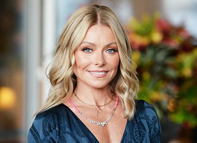 Kelly Ripa Shows Off Her Grey Roots Amid Sheltering in Place Order