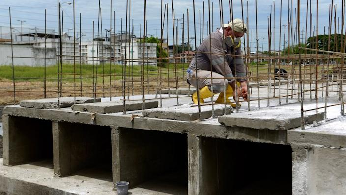New tomb spaces are being created in the Angel Maria Canales cemetery in Guayaquil