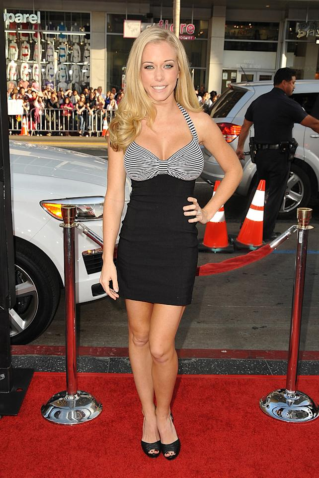 """<a href=""""http://movies.yahoo.com/movie/contributor/1809678146"""">Kendra Wilkinson</a> at the Los Angeles premiere of <a href=""""http://movies.yahoo.com/movie/1810044687/info"""">The Hangover</a> - 06/02/2009"""