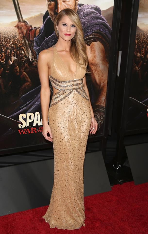 """LOS ANGELES, CA - JANUARY 22:  Ellen Hollman arrives at the """"Spartacus: War Of The Damned"""" Los Angeles Premiere at Regal Cinemas L.A. LIVE Stadium 14 on January 22, 2013 in Los Angeles, California.  (Photo by Jesse Grant/WireImage)"""