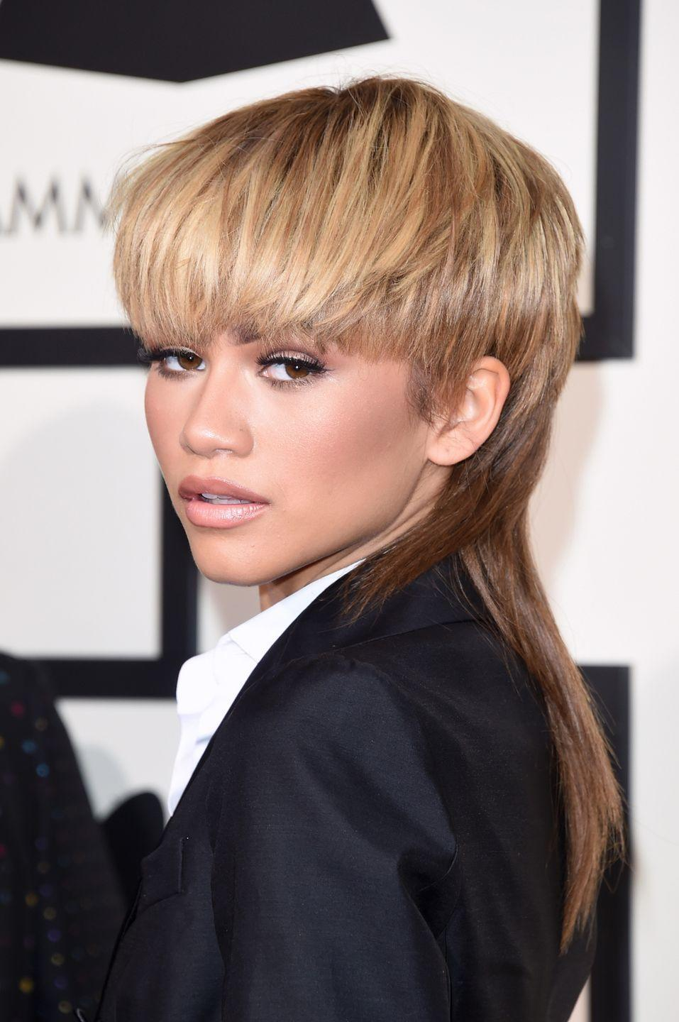 <p>Zendaya brought '80 vibes to the 58th grammy Awards with a blonde and brown mullet.</p>
