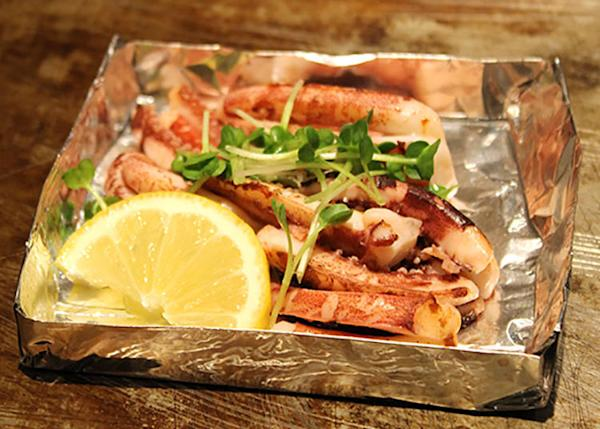 Side dish: Baked cuttlefish (380 yen, tax included)