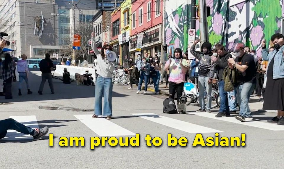 """Sandra Oh: """"I am proud to be Asian"""""""