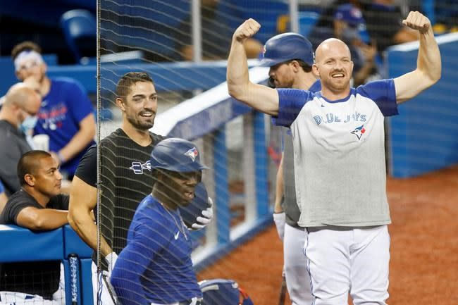 Blue Jays hovering around playoff cutline at midway point of shortened season