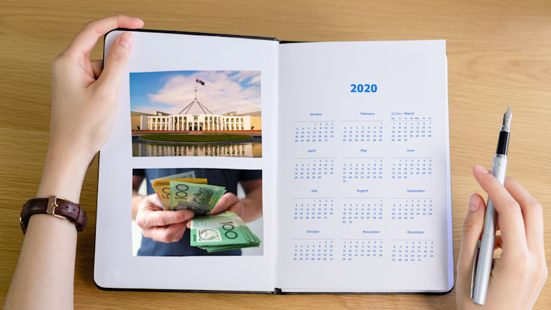 A 2020 diary with a picture of the Parliament House and money.