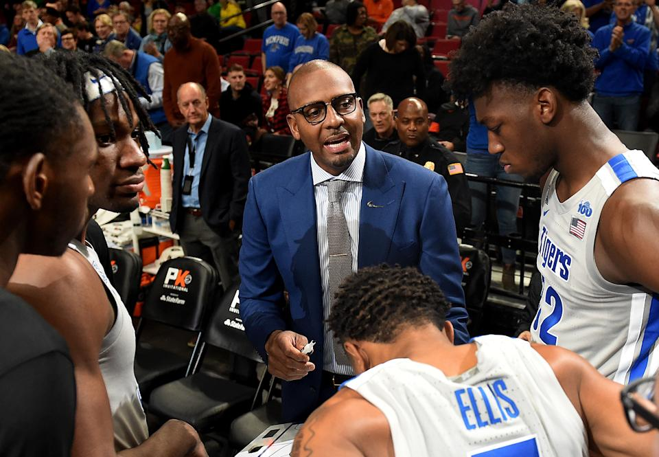Penny Hardaway of the Memphis Tigers speaks to his team before the game at Moda Center on Nov. 12, 2019 in Portland, Oregon. (Steve Dykes/Getty Images)