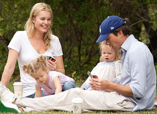 Rebecca with husband Jerry O'Connell and twins Dolly and Charlie. (Splash News)