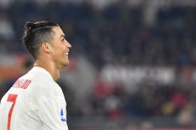 Serie A: Cristiano Ronaldo extends goal-scoring streak to put Juventus at top of the table