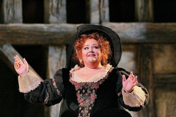 PHOTO: American mezzo-soprano Stephanie Blythe performs in an undated handout photo. (Ken Howard/Lincoln Center)